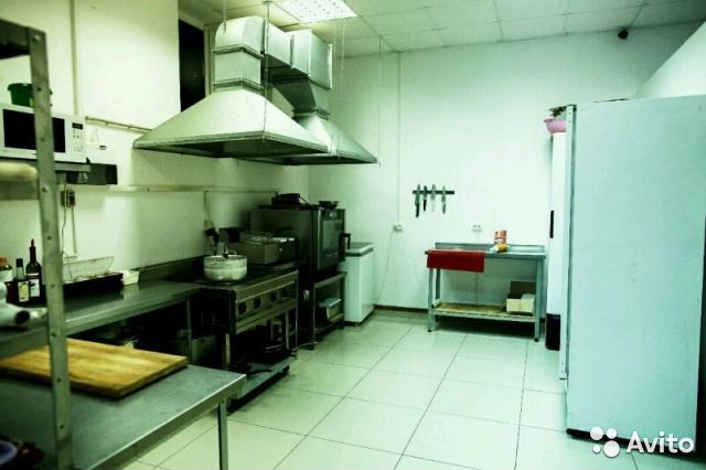 Мы компания занимающаяся куплей и продажей б/у оборудования для бизнеса