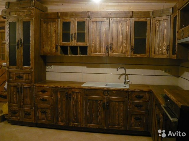 Кухню из массива дерева