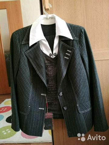 271453d3 Женский брючный костюм 50р купить в Санкт-Петербурге на Avito ...