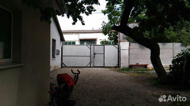 Продается однокомнатная квартира за 1 300 000 рублей. Республика Крым, Симферополь, улица Москалева, 10.
