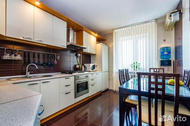 Продается четырехкомнатная квартира за 5 100 000 рублей. Ростовская область, Батайск, улица Крупской, 5.
