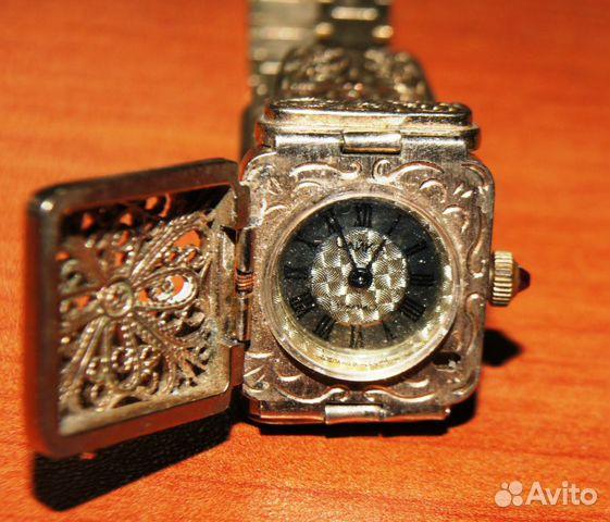 Позолоченые ручные часы