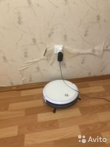 Робот пылесос с функцией влажной уборки
