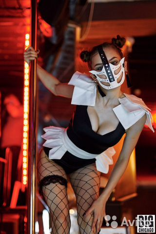 Танцовщица гоу гоу вакансии москва мне нравится коллега по работе я девушка